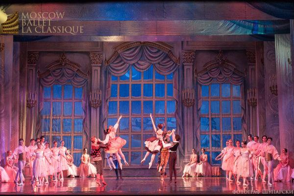 'THE-NUTCRACKER'--Ballet-'La-Classique'-109